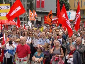 Demonstration zur Verhinderung von CETA an der Münchner Freiheit, 16.7.16